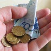 «Сделали для блатных»: казахстанцы откровенно высказались о снятии пенсии