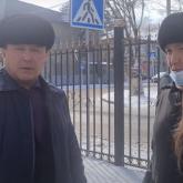 """""""Не ты меня выбрал"""". Депутат на """"Гелендвагене"""" устроил перепалку с блогерами в Талгаре"""