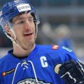 """Самые дорогие спортсмены: названа годовая зарплата капитана хоккейного клуба """"Барыс"""""""