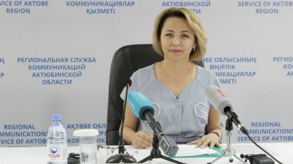 Уволенная при странных обстоятельствах чиновницав Актюбинской области требует вернуть ей должность