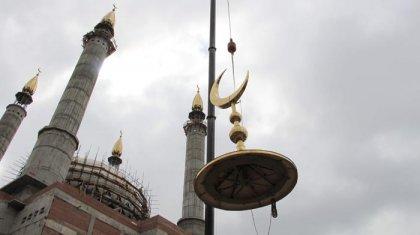 Люди кричат, что нет школы! Атырауские сельчане возмущены строительством 25 новых мечетей