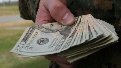 """Офицеры военно-технической школы в Талдыкоргане брали взятки с курсантов за """"мамины пирожки"""""""