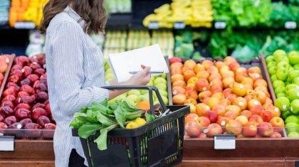 Чья правда? В Минторговли заявили о снижении цен на продукты, в Нацбанке - о повышении